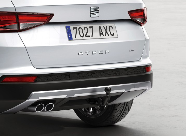 SEAT Ateca - Rear of car showing the tow bar