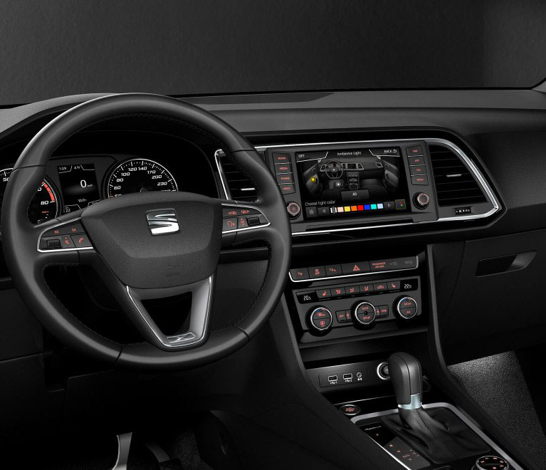 SEAT Ateca - Steering wheel and dashboard