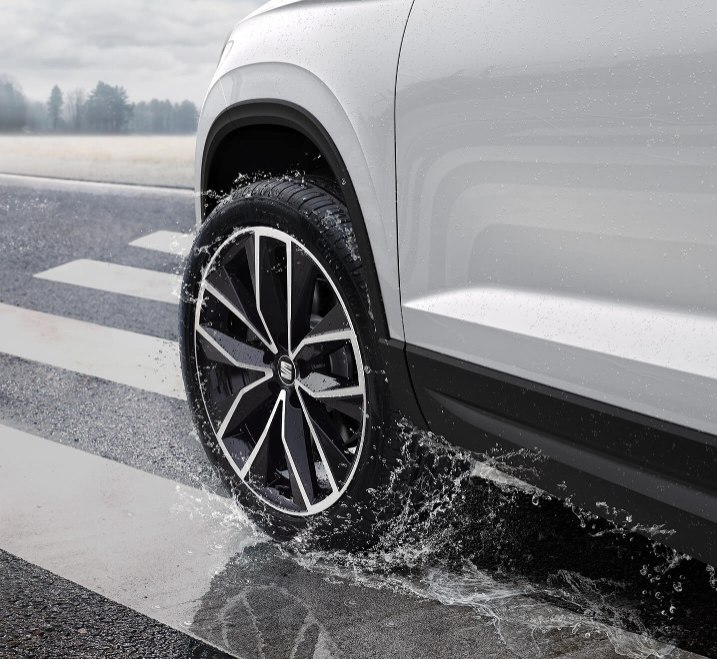 SEAT Ateca - Alloy wheel in the rain
